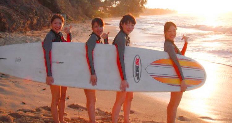 地元サーファーから学ぶ、サーフィン体験